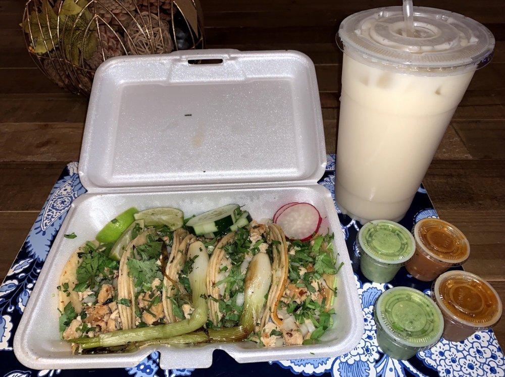Food from Tacos El Bronco II