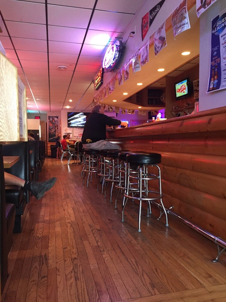 Scooter's Bar and Grill: 208 S Main St, Alta, IA