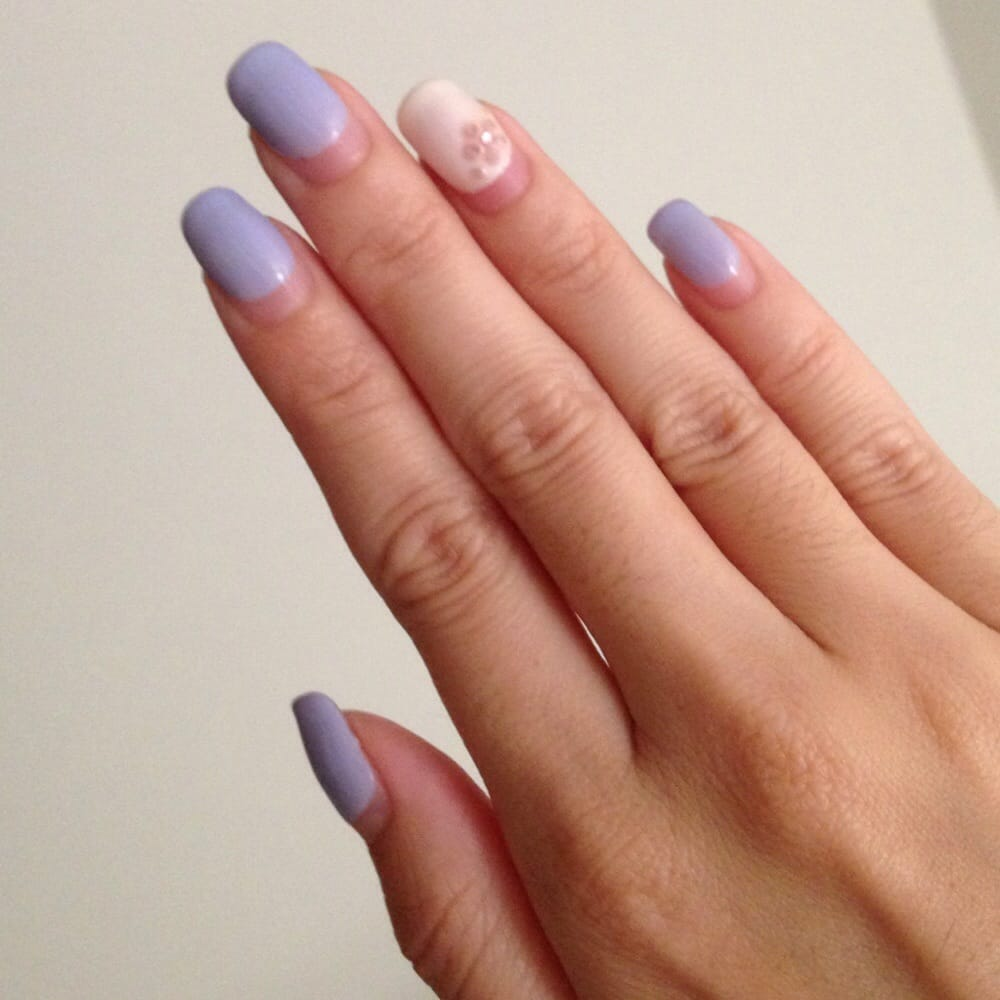 29 days later from mani. Still shiny and no chips ! - Yelp