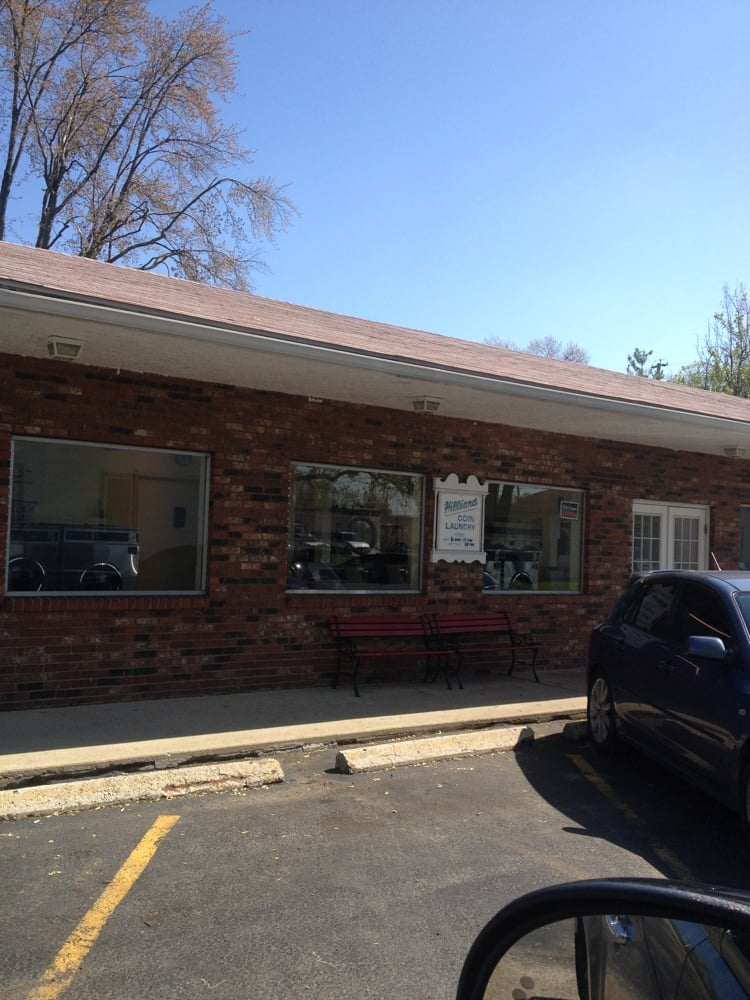 Hilliard Coin Laundry: 4120 Wayne St, Hilliard, OH