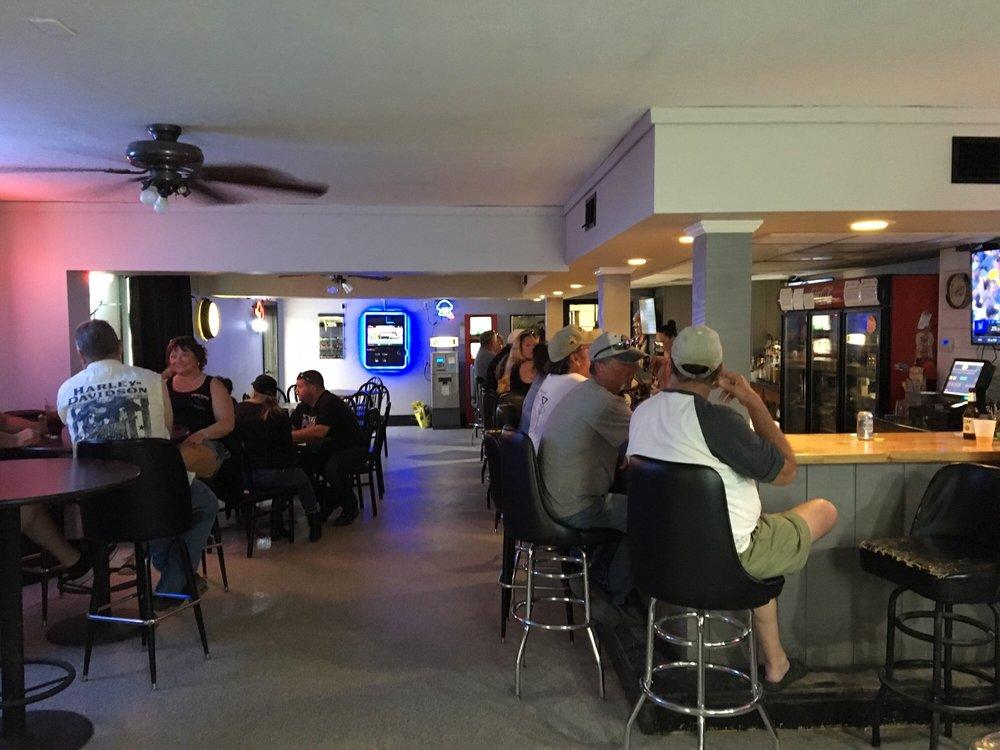 Bayside Tavern: 900-908 Hwy 269, Sandusky, OH
