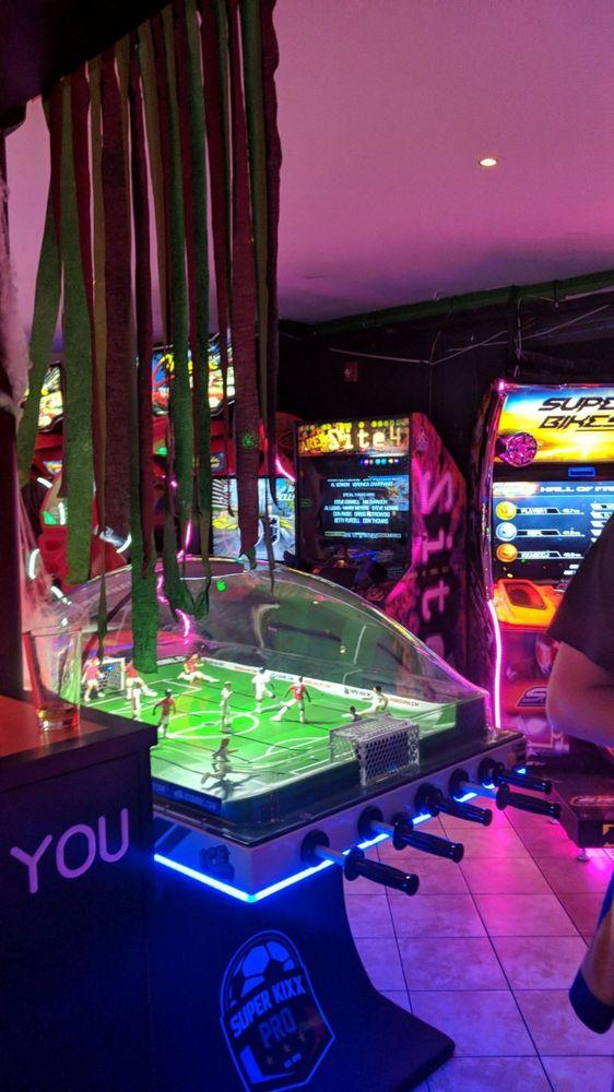 Starport Arcade and Pub: 471 Chestnut St, Morgantown, WV