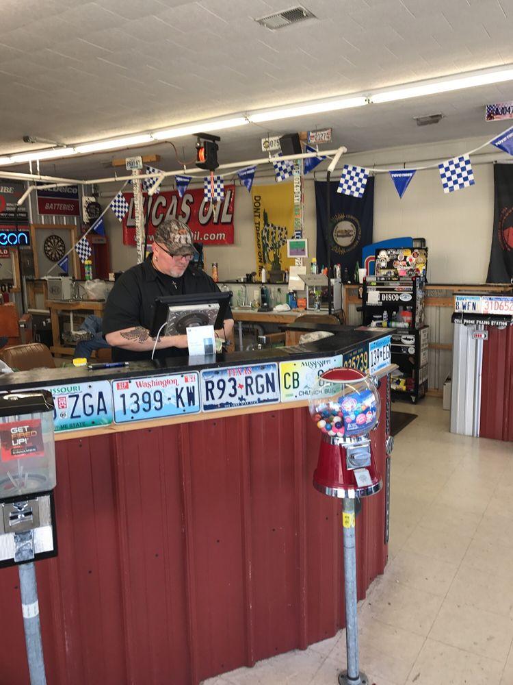 Disco's Chop Shop: 108 W Main St, Campbellsville, KY