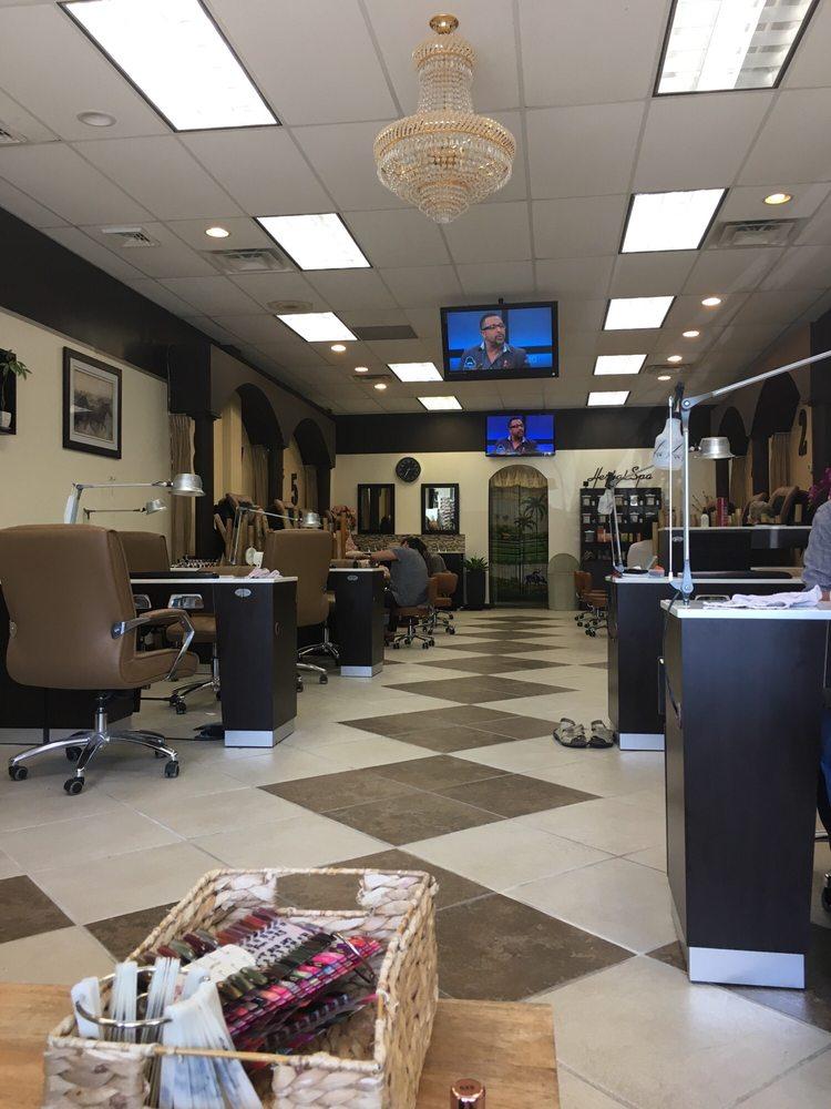 Queen Nails Salon & Spa: 7209 Lancaster Pike, Hockessin, DE