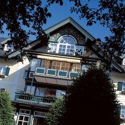 Hotel brandauers villen 12 photos hotels moosgasse for Traditionelles deutsches haus