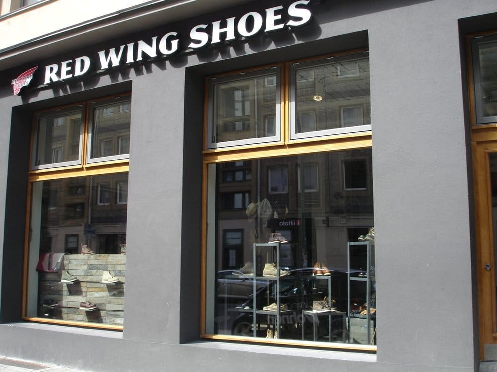 red wing shoes store negozi di scarpe m nzstr 8. Black Bedroom Furniture Sets. Home Design Ideas