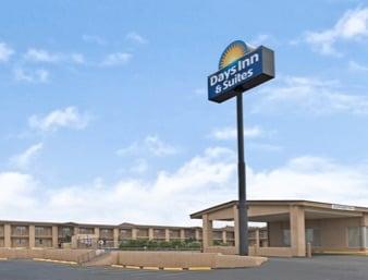 Days Inn & Suites by Wyndham Santa Rosa: 2255 Historic Rte 66, Santa Rosa, NM