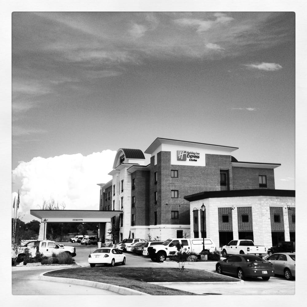 Holiday Inn Express & Suites Duncan: 1520 Apollo Dr, Duncan, OK