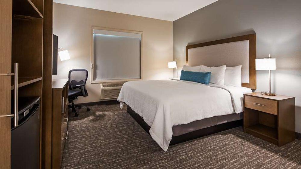 Best Western Plus Hudson Hotel: 1200 Gateway Blvd, Hudson, WI