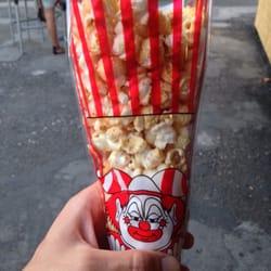 Le Transbordeur - Villeurbanne, France. Pour les Soirées Drive-In, un Check In donne droit à un cornet de popcorn !