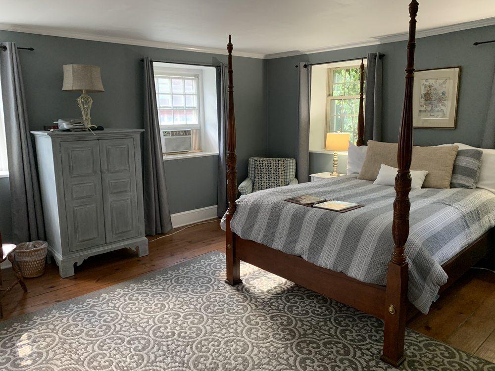 Inn at Millrace Pond: 313 Hope Johnsonburg Rd, Hope, NJ