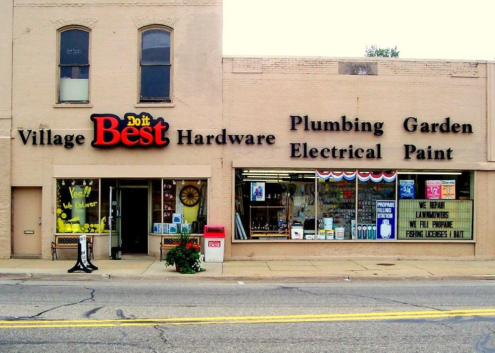 Village DO It Best Hardware: 106 W Ferry St, Berrien Springs, MI