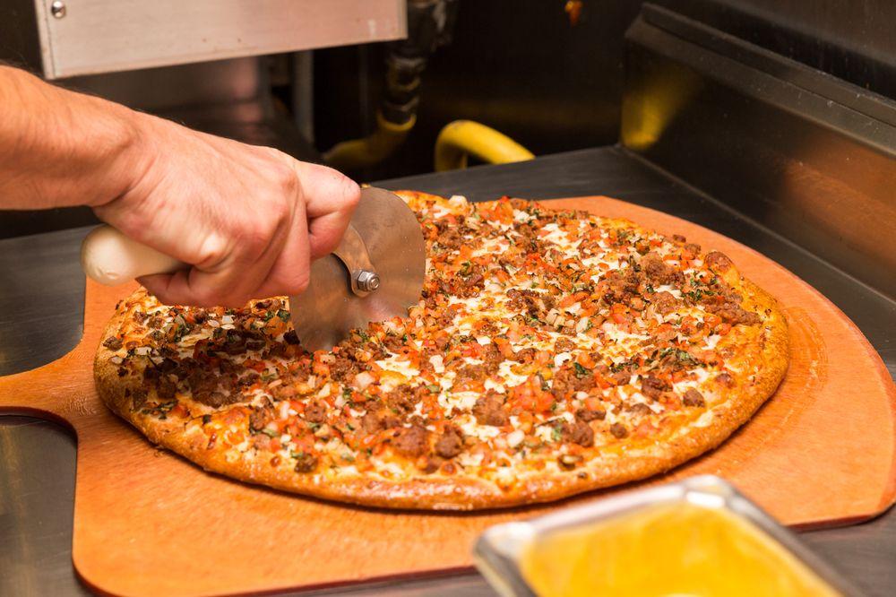 Combo's Pizza: 757 W Commonwealth Ave, Fullerton, CA