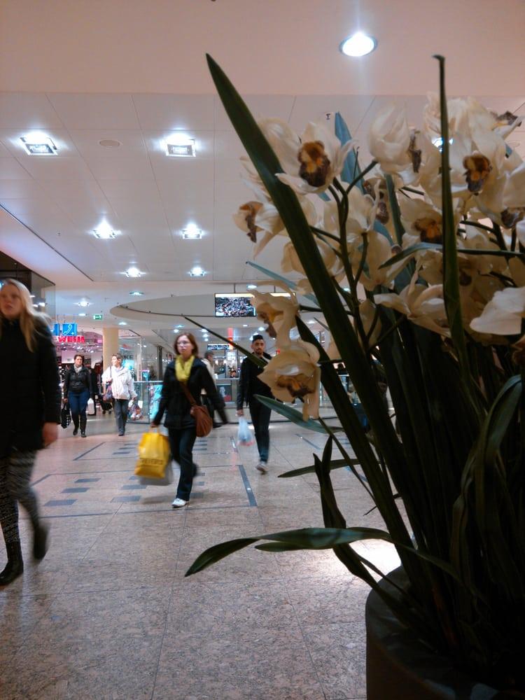 gesundbrunnen center shopping centers berlin germany yelp. Black Bedroom Furniture Sets. Home Design Ideas