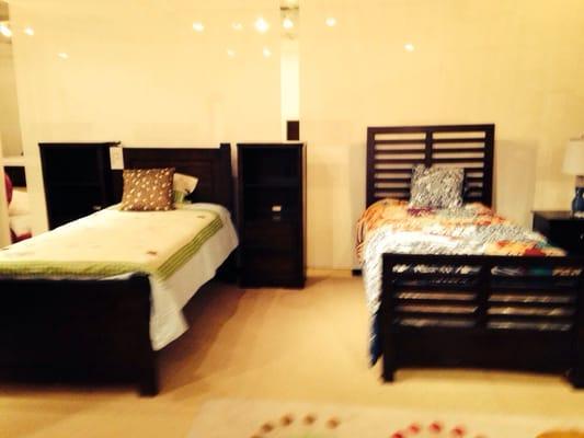 Mueblerias Berrios - CLOSED - Furniture Stores - 65