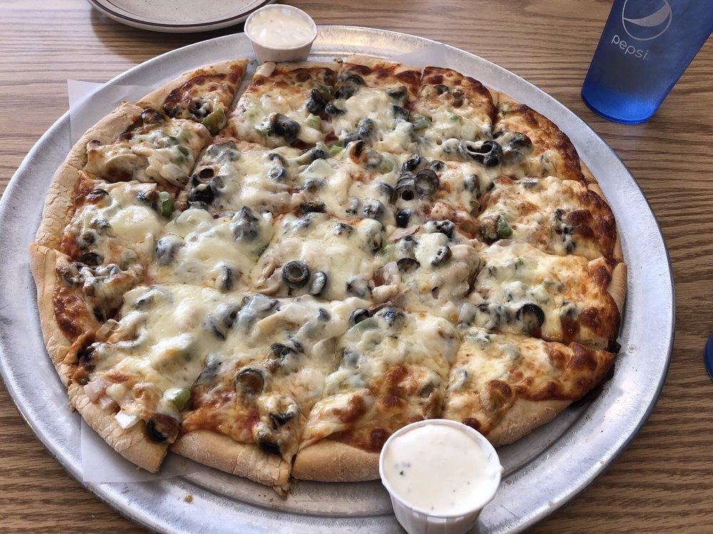 Napoli Pizza & Restaurant: 115 N 3rd St, Burlington, IA