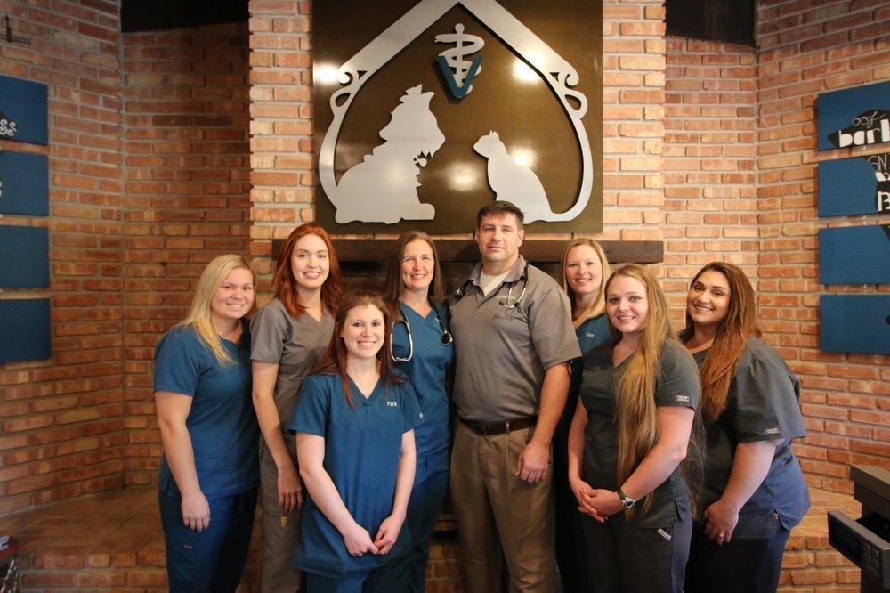 Crossroads Veterinary Hospital: 10253 Hwy Dd, Wentzville, MO