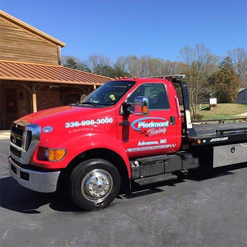 Piedmont Towing: 3341 US Hwy 64 E, Advance, NC