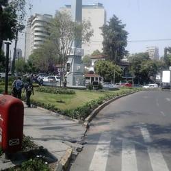 Obelisco a sim n bol var parques y jardines campos for Jardines eliseos