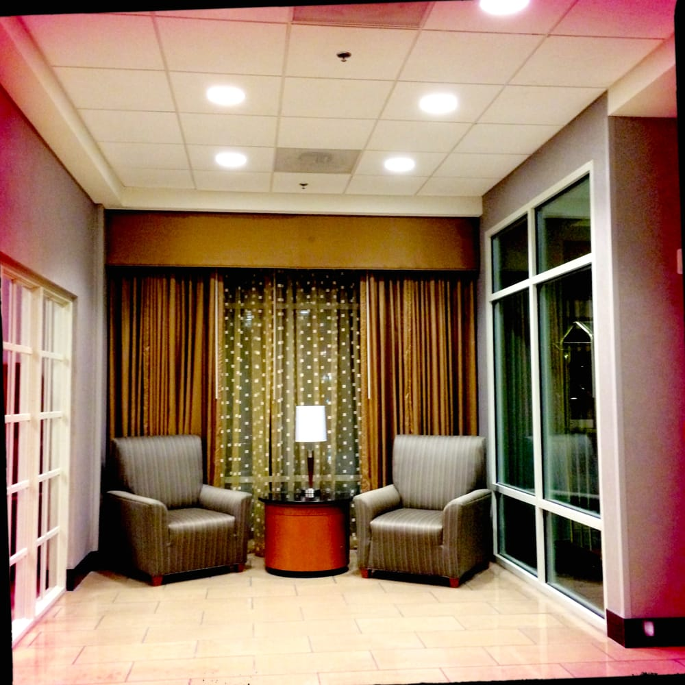Embassy Suites Dulles - North/Loudoun: 44610 Waxpool Rd, Ashburn, VA