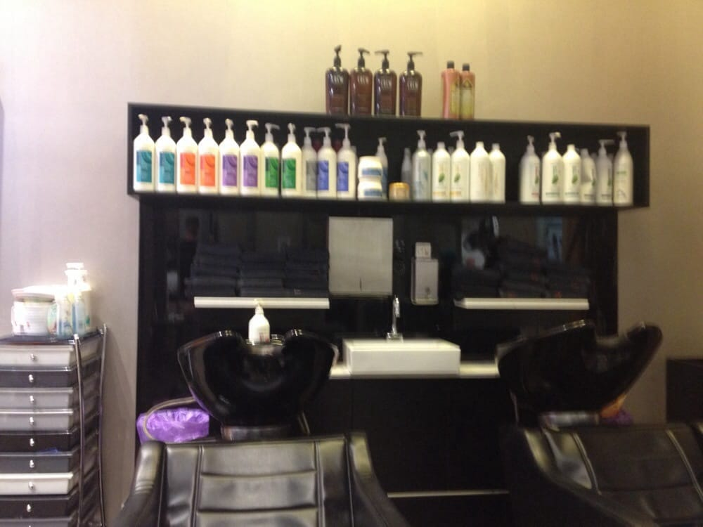 Hairhouse Warehouse: Shop Lg03, Queens Plza, Brisbane, QLD