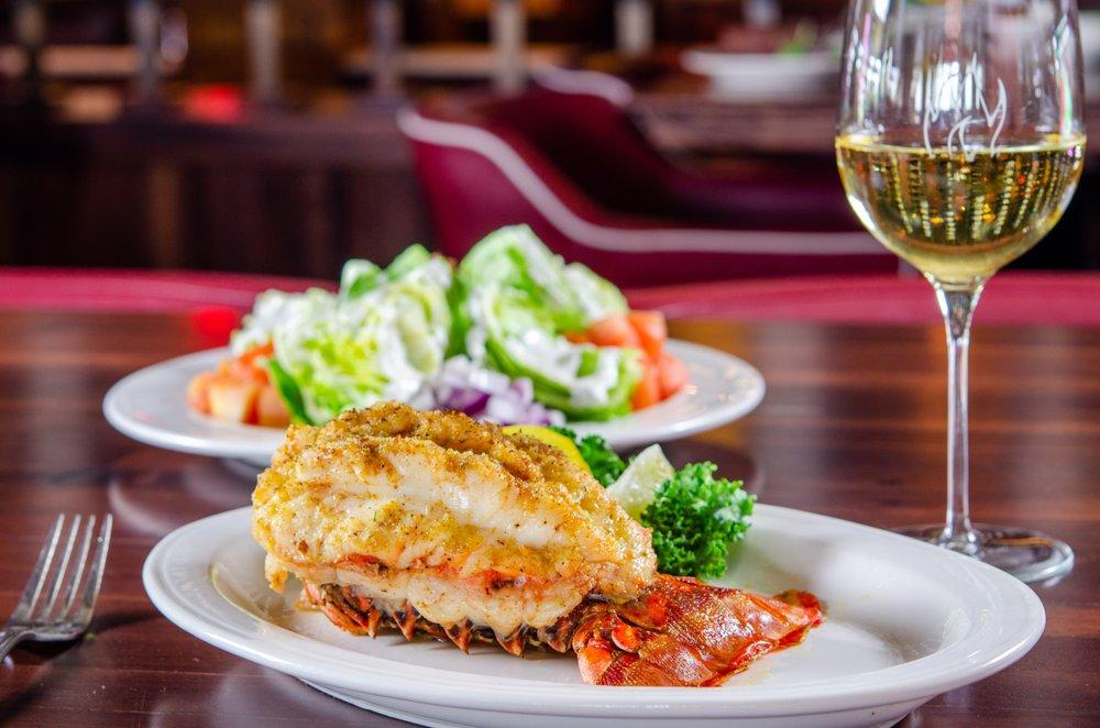 Charley's Steak House: 2901 Parkway Blvd, Kissimmee, FL
