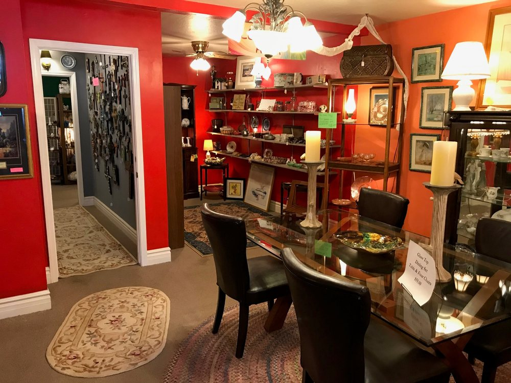 Tymeless Antiques and Treasures: 3716 N Prince Dr, Pine, AZ