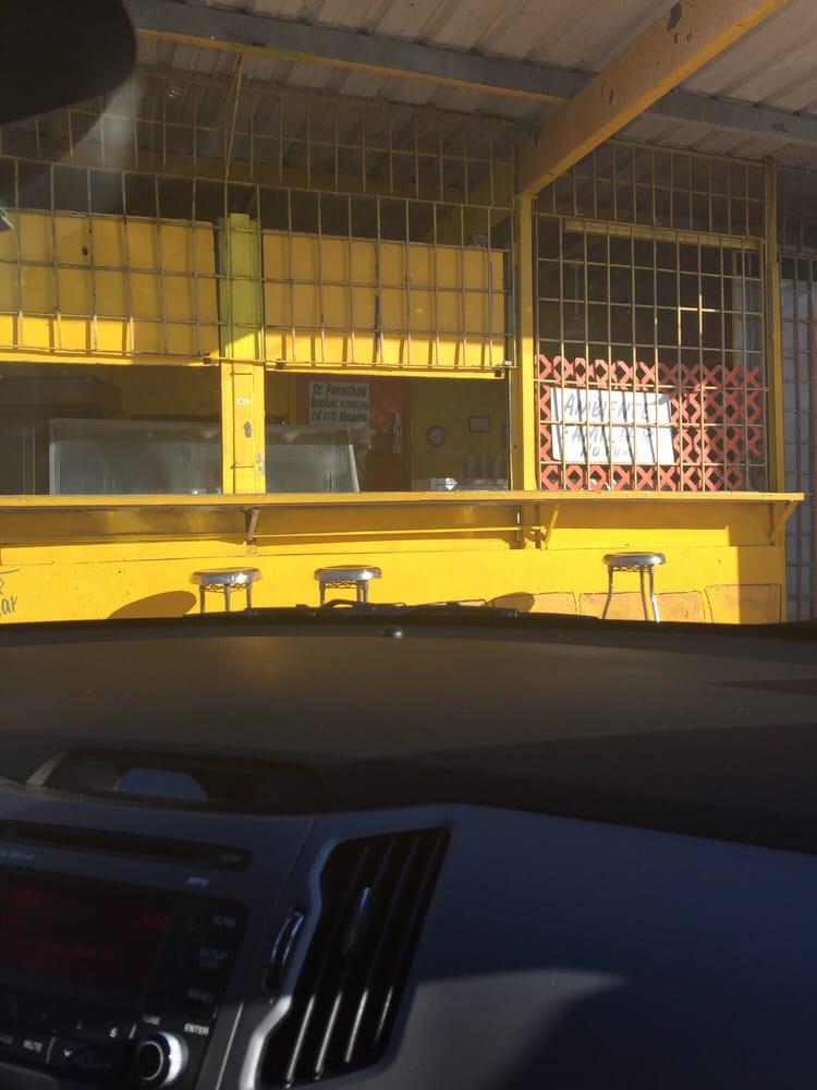 Ambiente Familiar Rafa's BBQ: Carretera 3 S/N, Rio Grande, PR
