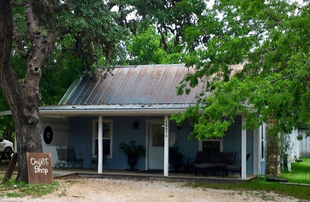 Little Cottage Quilt Shop: 14076 State Hwy 16 N, Medina, TX