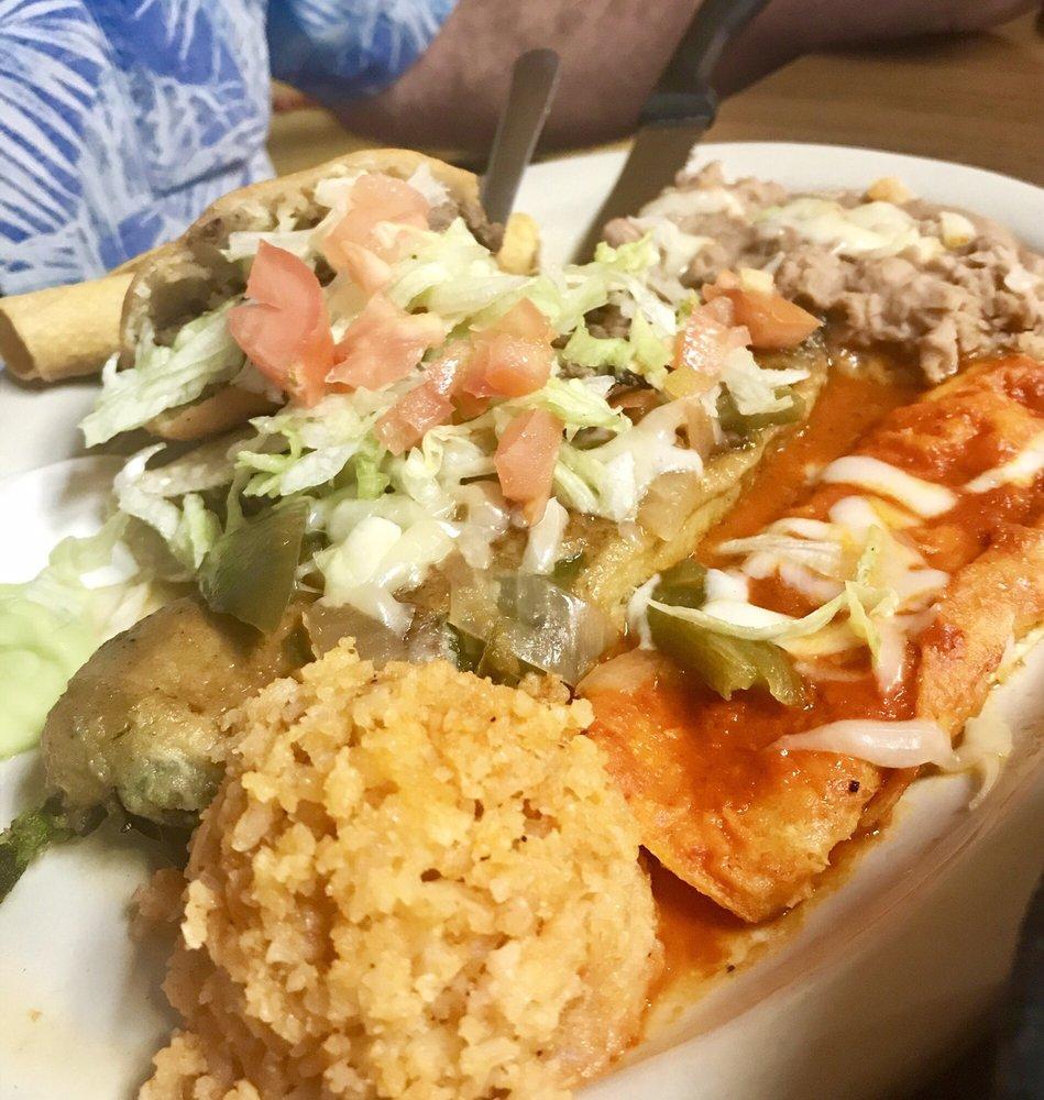 Sofia's Restaurant: 11800 Glorietta Rd, San Elizario, TX