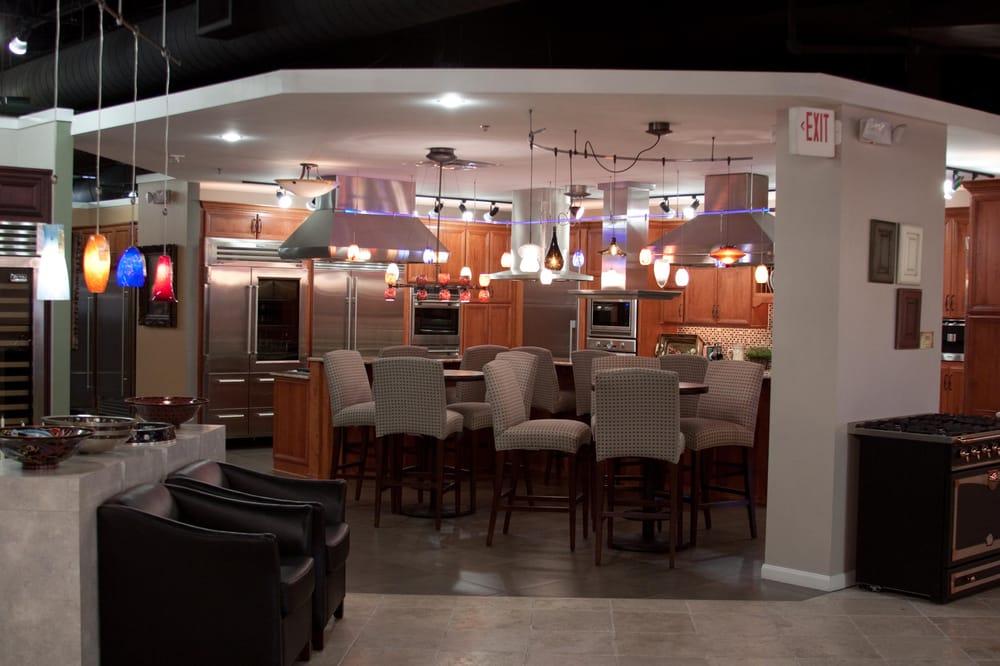 Ferguson bath kitchen gallery 27 fotos decoraci n for Decoracion del hogar en puerto rico