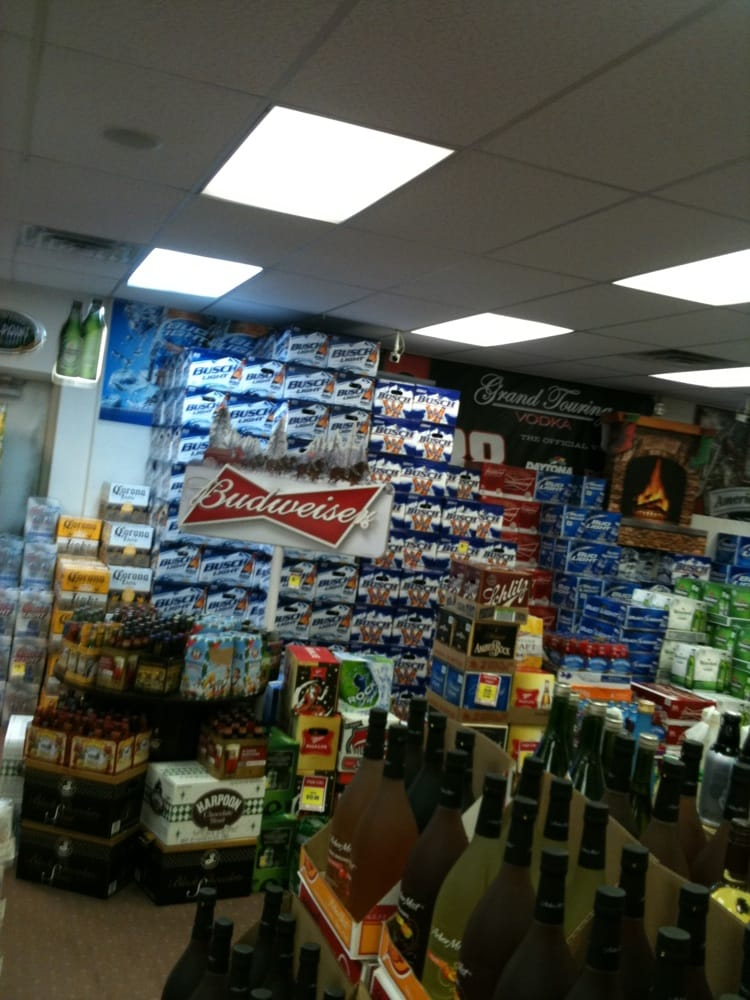 Valley Discount Wine & Liquor: 555 Main St, Ansonia, CT