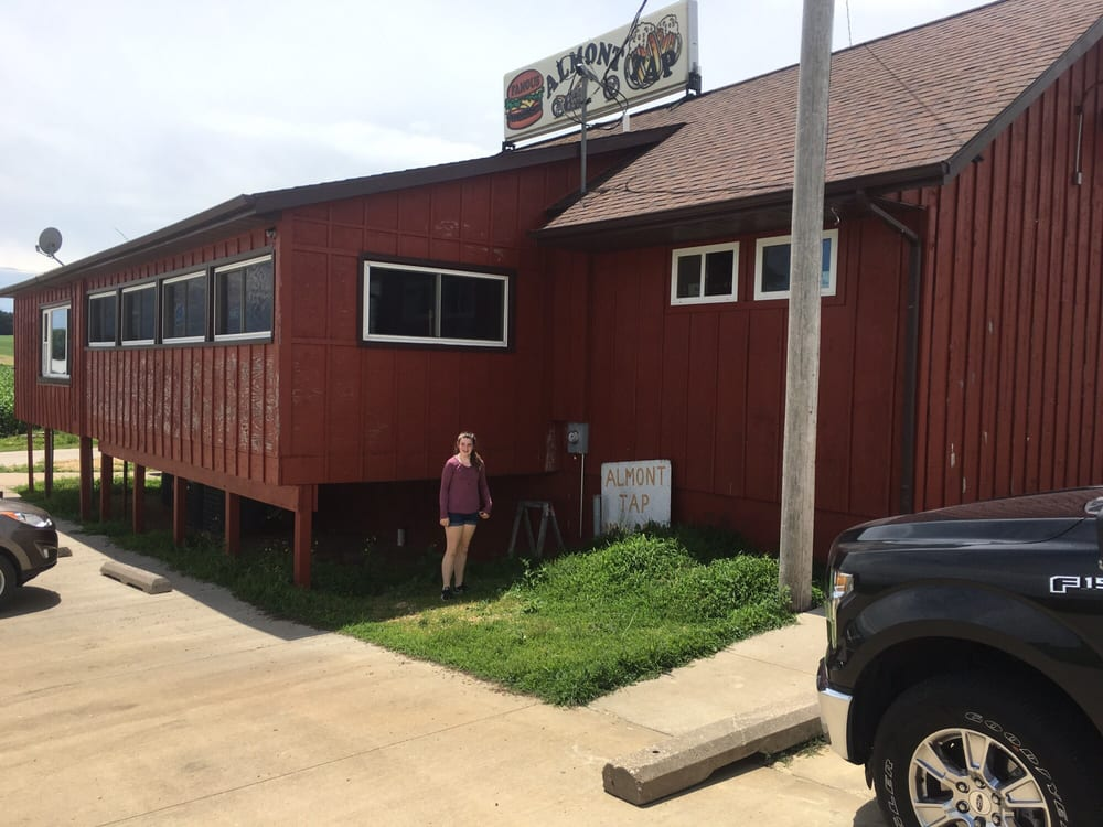 Almont Tap: 4581 140th St, Clinton, IA