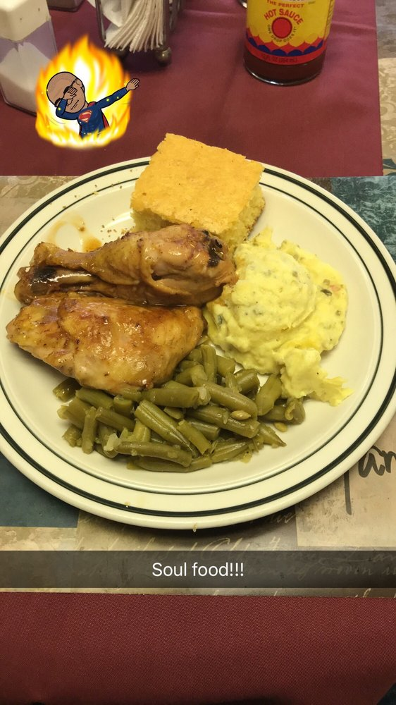 Food from Magnolia's Diner