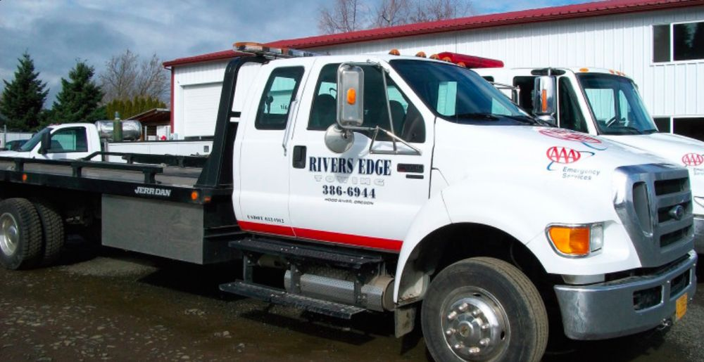 Rivers Edge Towing: 1100 Tucker Rd, Hood River, OR