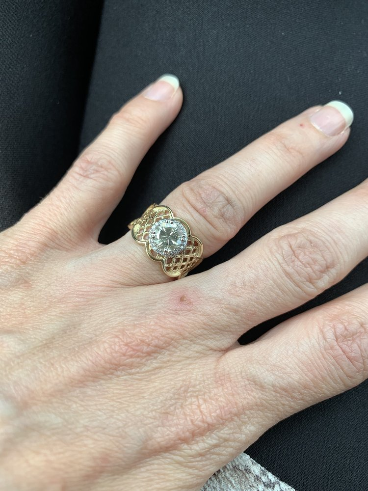 The Jewelry ER: 105 E Loop 281, Longview, TX