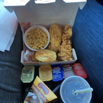 Popeyes Louisiana Kitchen Food popeyes louisiana kitchen - 25 photos & 54 reviews - fast food