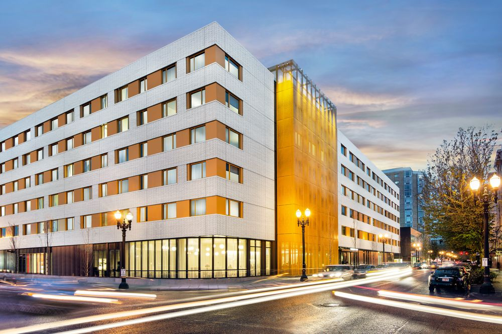 Residence Inn by Marriott Portland Downtown/Pearl District: 1150 NW 9th Avenue, Portland, OR