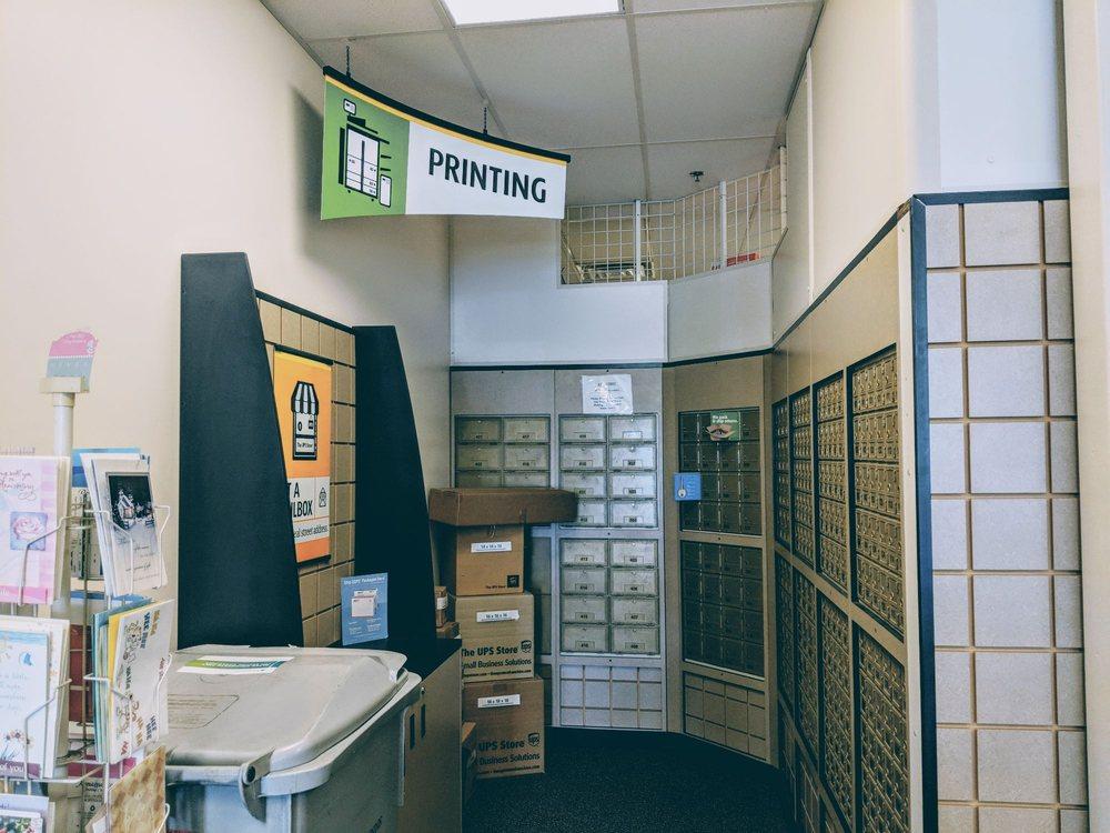 The UPS Store: 106 W Calendar Ct, La Grange, IL