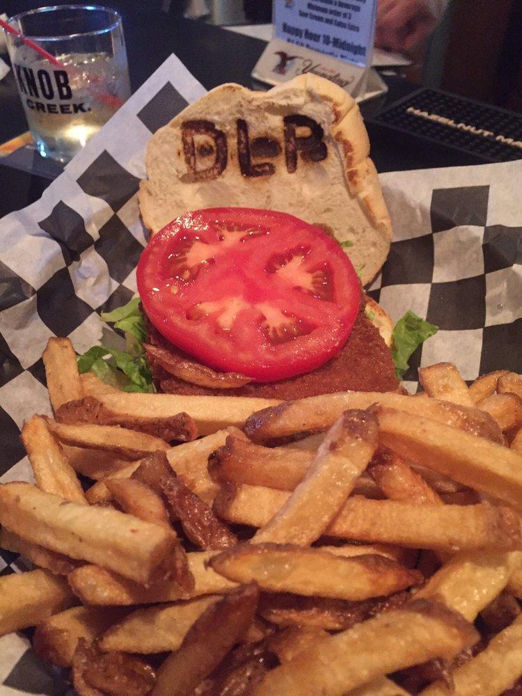 Deer Lake Pub & Restaurant: 1596 Centre Tpke, Orwigsburg, PA
