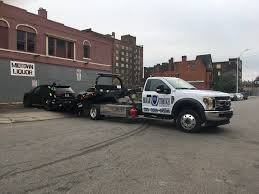 Self Made Towing: Milwaukee, WI