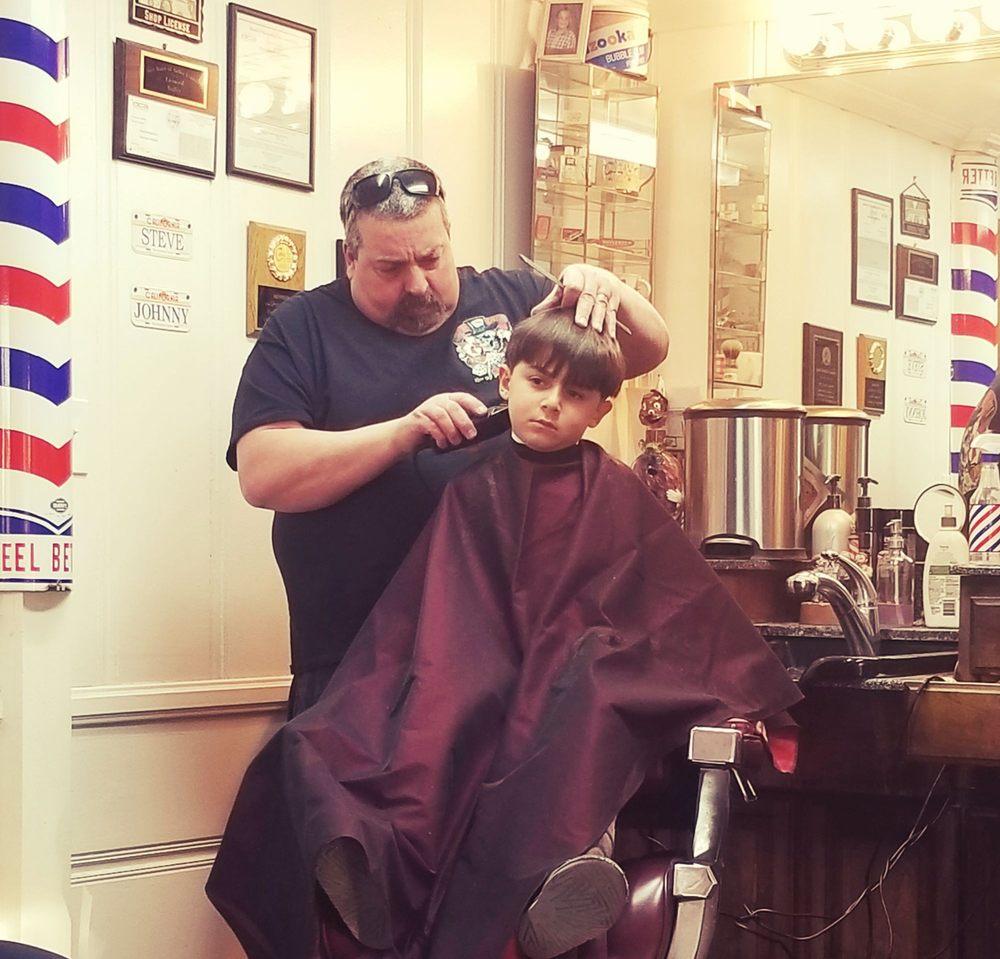 Johnnys Barber Shop 16 Reviews Barbers 2415 Foothill Blvd La