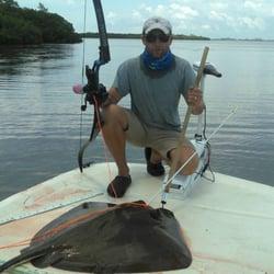 Aim lower bow fishing charters archery lee st punta for Mini crossbow fishing