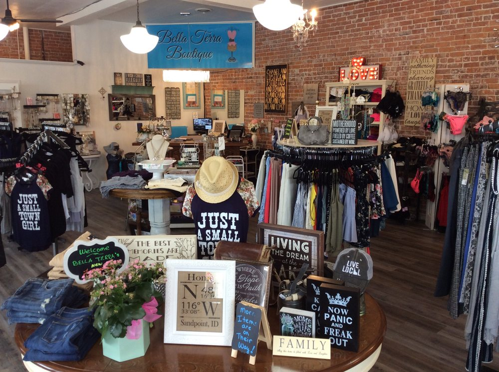 Bella Terra Boutique: 223 N 1st Ave, Sandpoint, ID