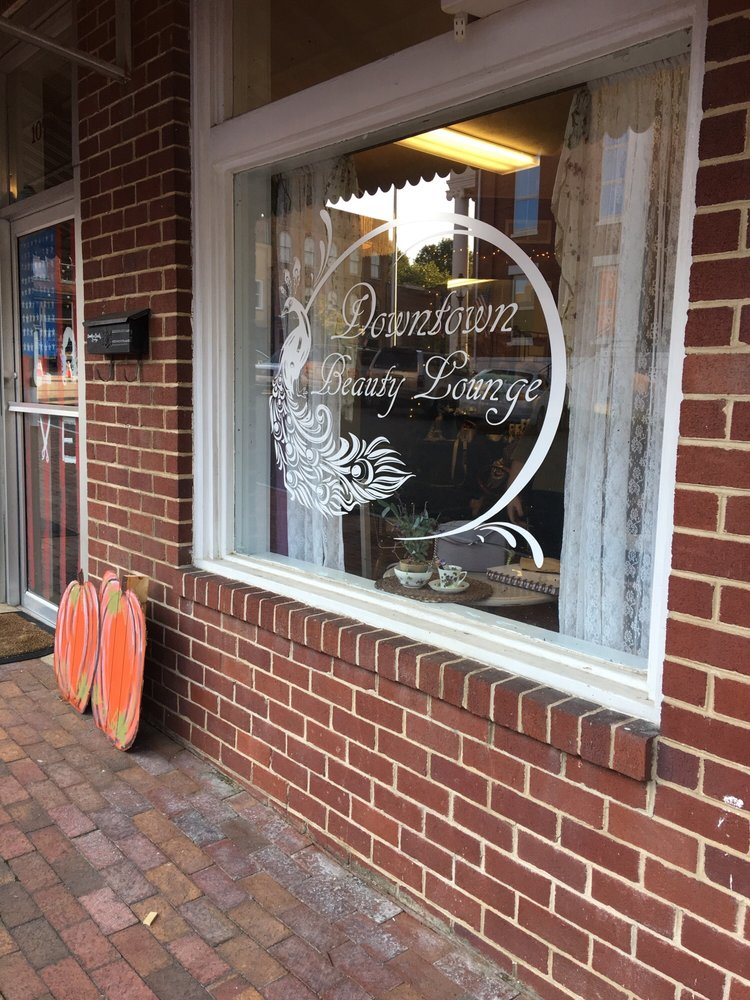 Downtown Beauty Lounge: 107 Courthouse Square, Jonesborough, TN