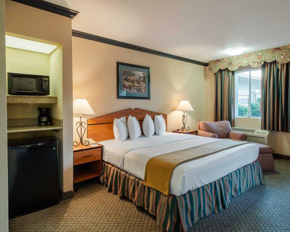 Quality Inn & Suites: 4306 S 1st St, Lufkin, TX
