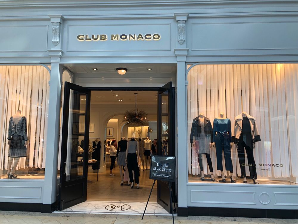 Club Monaco Prudential Center
