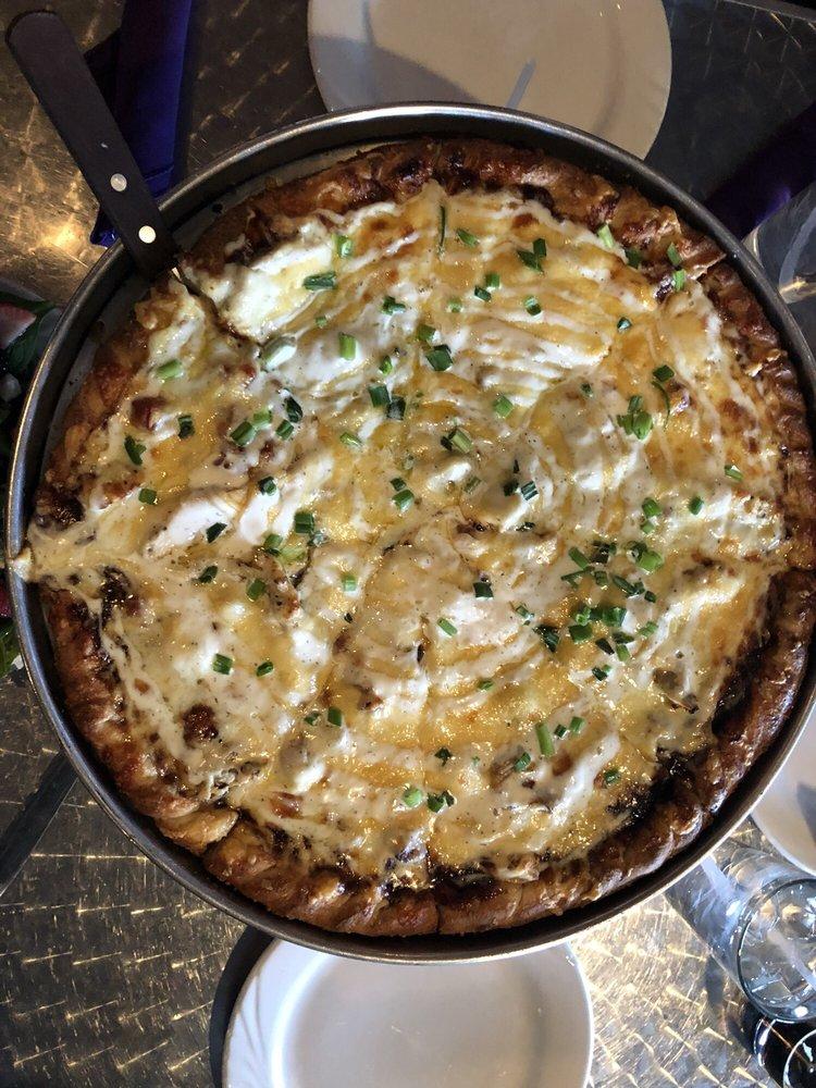Skybar Gourmet Pizza: 75 Prospect Ave, Eureka Springs, AR