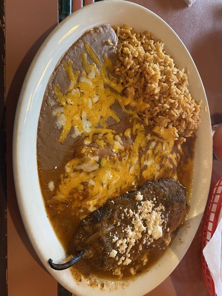 Mariachi Alegre Mexican Restaurant & Cantina: 16605 106th Ave SE, Yelm, WA