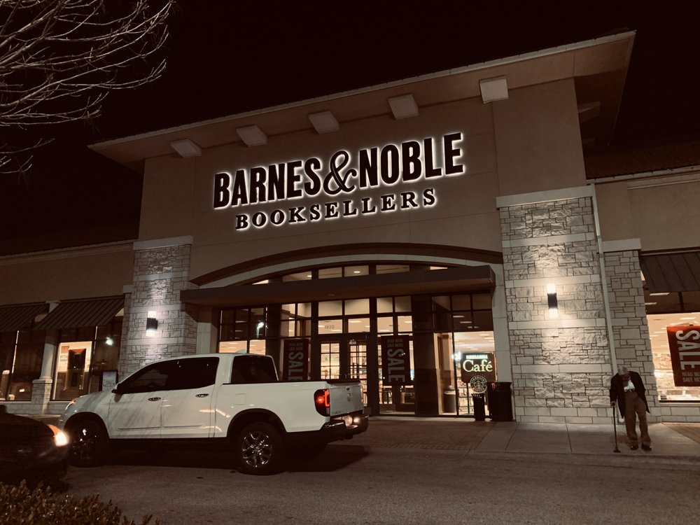 Barnes & Noble: 1920 N Rock Rd, Wichita, KS